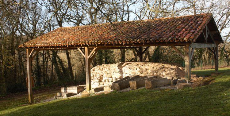 Au jardin archéologique de Béruges on peut voir….